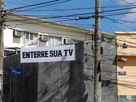 Poro: Enterre sua TV